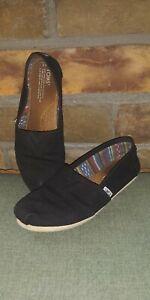 TOMS Women's Size 8 original Black Canvas Classic Slip on Flat Loafer Shoes