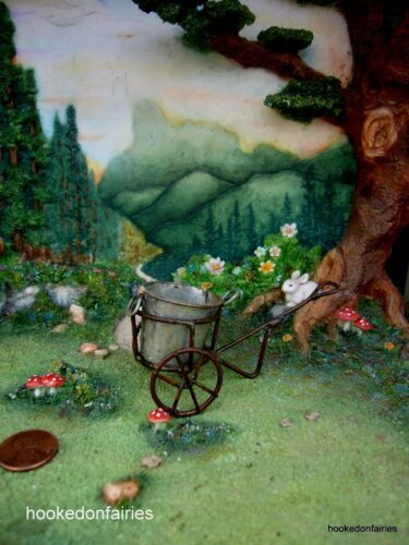Wheeled Tub Dollhouse Miniature Fairy Faerie Hobbit  Gnome Garden JE 83280