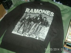 THE-RAMONES-LONG-SLEEVE-TOP-SIZE-SMALL
