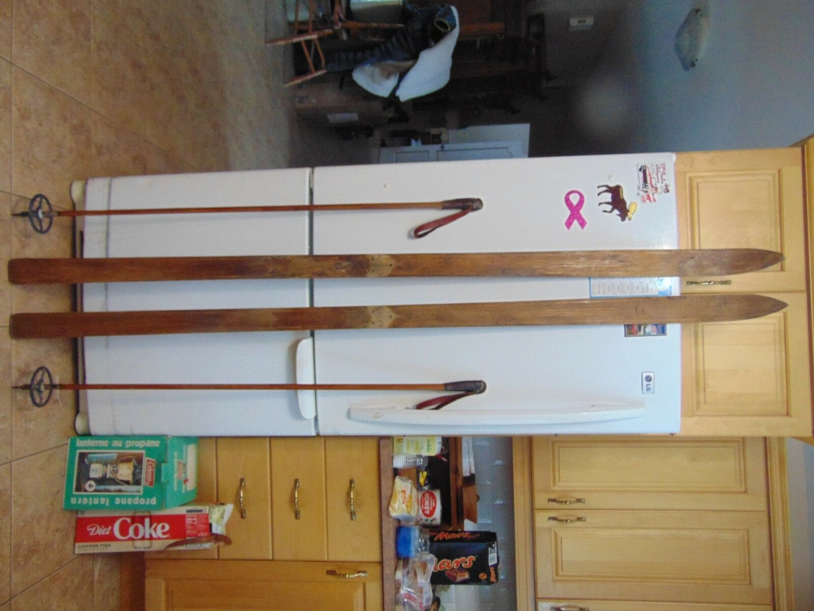 antique wooden skis   77   long      chalet decor  very   nice