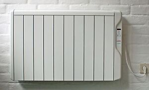 radiator heizstrahler konvektor mit digitalem thermostat wandhalterung 1250 w ebay. Black Bedroom Furniture Sets. Home Design Ideas