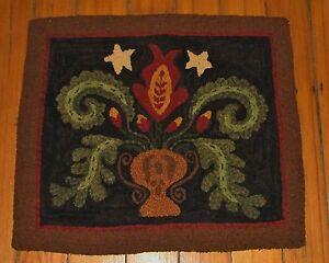 Primitive Hooked Rug Pattern On Linen