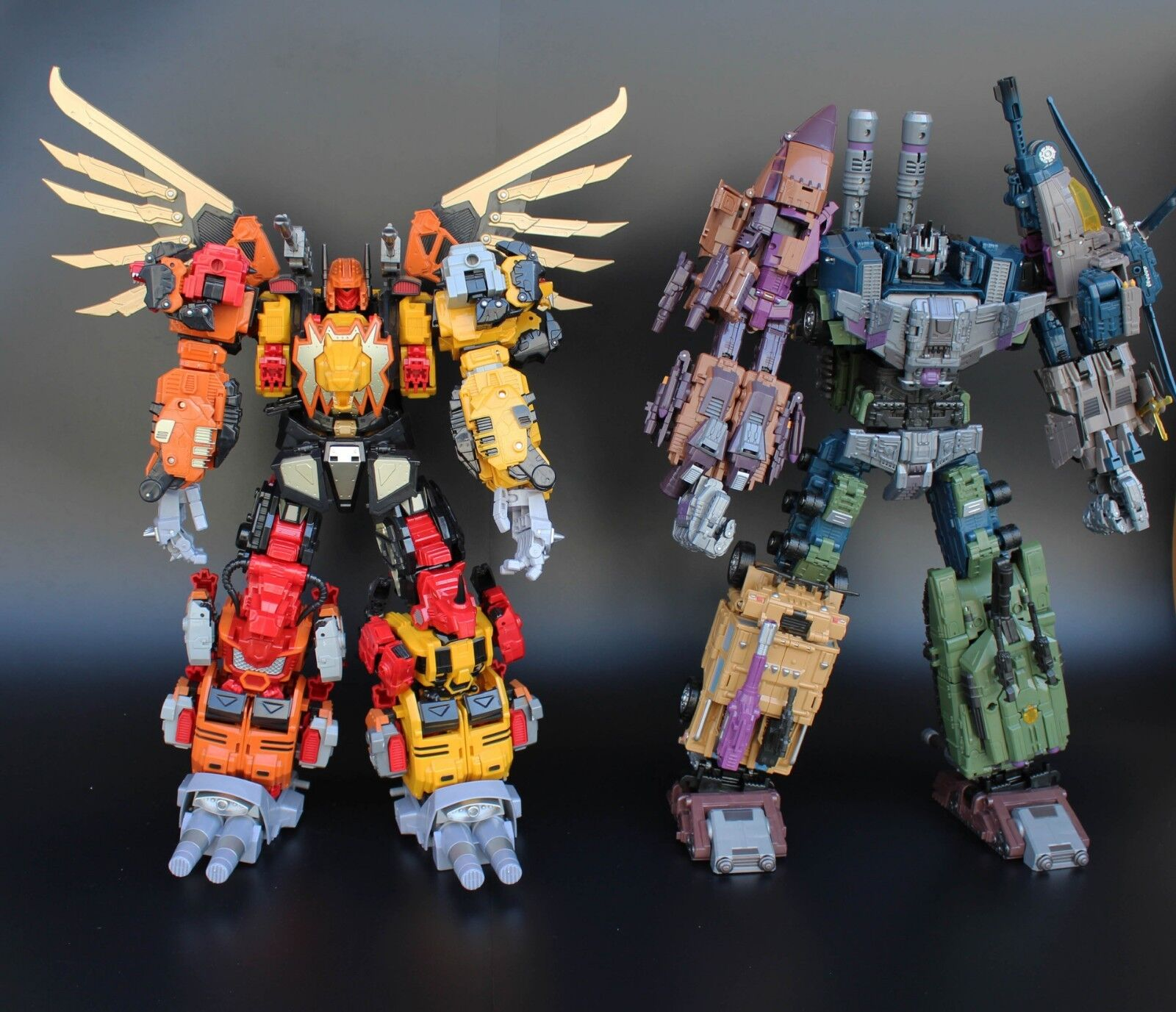 K.O. Oversized Warbotron Bruticus Predaking With Weapon And Upgrade Kit In Box