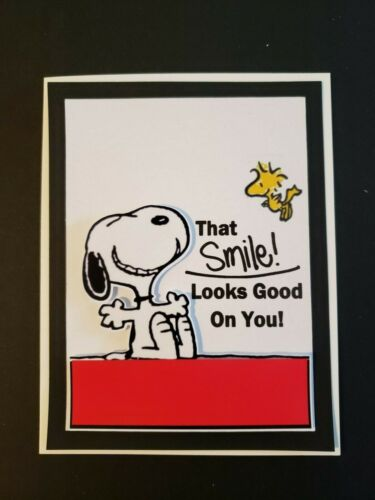 SNOOPY THAT SMILE LOOKS GOOD ON YOU