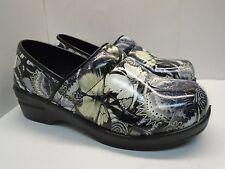 G3814 New Women's Kagen Dany w/Comfort Foam Insole Silver Floral Butterfly 11M