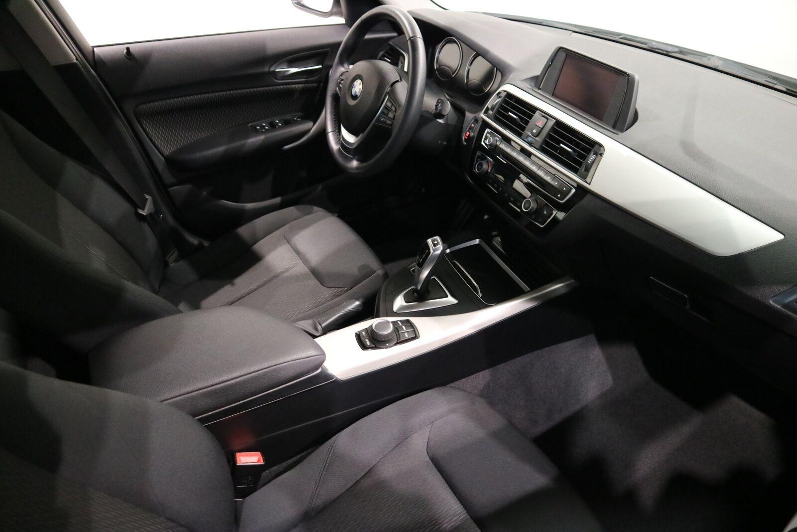 BMW 118i 1,5 Connected aut. - billede 12