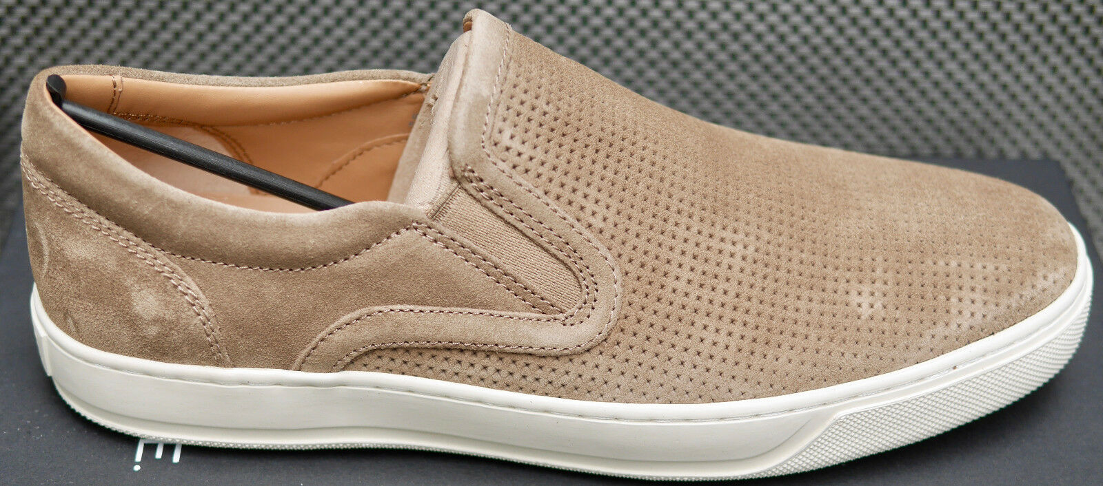 VINCE Ace Flint Suede shoes. Size 9 NEW in BOX