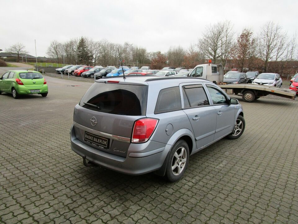 Opel Astra 1,6 16V Limited Wagon Benzin modelår 2006 km