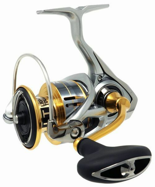 Daiwa 18 FREAMS LT-4000D-CXH Spinning Reel New