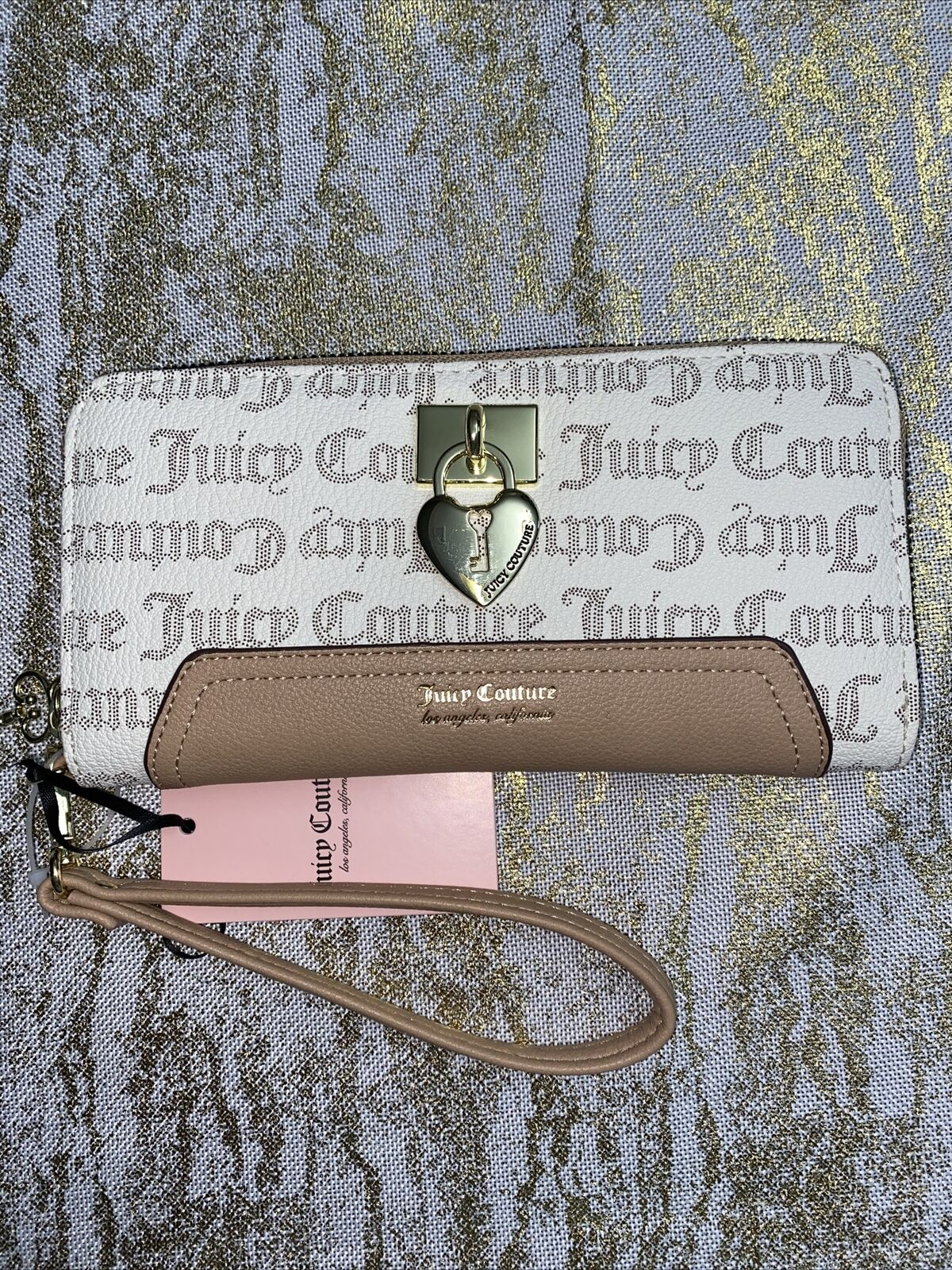 JUICY COUTURE Wallet-Wristlet PECAN-WHITE GOTHIC LOGO Gold Heart Zip Large NEW