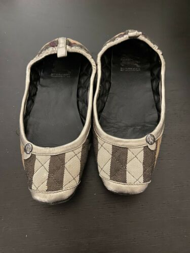 Burberry Women's Slippers SIZE 5 - image 1