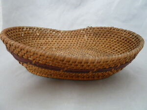 """Native American Weave Basket Tray. Nice Design. Approx 2.75"""" T x 6.5"""" W, x 9"""" L"""