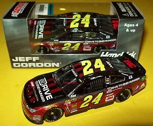 Jeff-Gordon-2015-Drive-To-End-Hunger-AARP-DTEH-24-Chevy-SS-1-64-NASCAR-Diecast