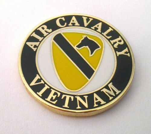"""1ST AIR CAVALRY VIETNAM 1/"""" US ARMY Military Hat Pin P14705 EE"""