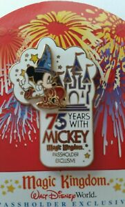 Disney-WDW-Pin-75-Years-with-Mickey-Sorcerer-Magic-Kingdom-3D-Passholder