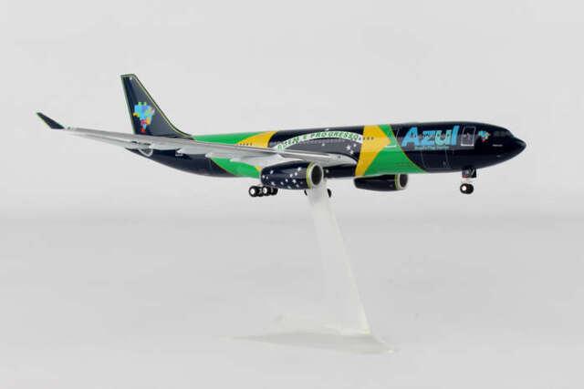Herpa 557238-1//200 Airbus A330-200 Neu Azul Brazilian Flag