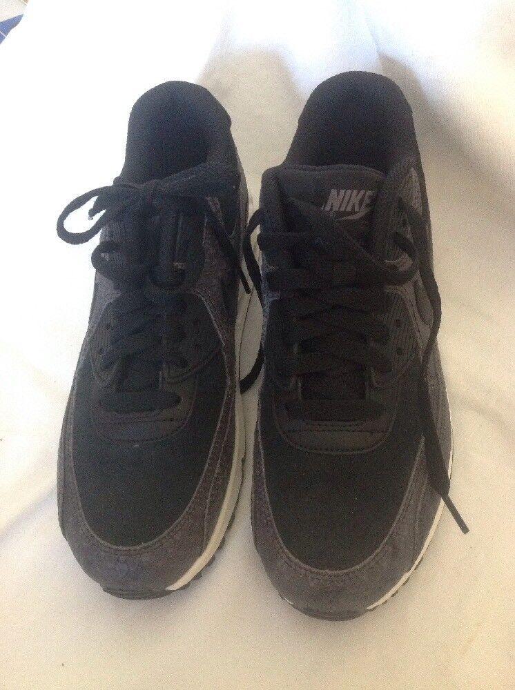 Nuovo di Zecca Nike Air Max Grigio Nero Taglia 5
