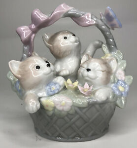 Vintage Kittens In A basket Porcelain Figurine Kitty Valentino Collections 1988