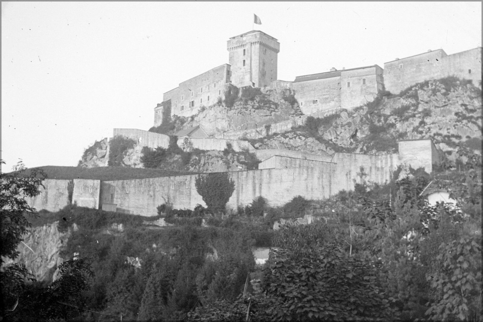 Plakat, Viele Größen ;La Citadelle,Lourdes Frankreich 1898