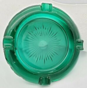 Vintage-Mid-Century-Large-6-5-034-Emerald-Embossed-Green-Glass-Cigar-Ashtray-Heavy