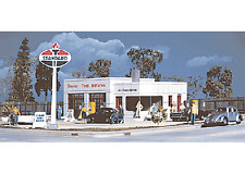 Walthers 933-3072 HO Al's Victory Service Gas Station Building kit