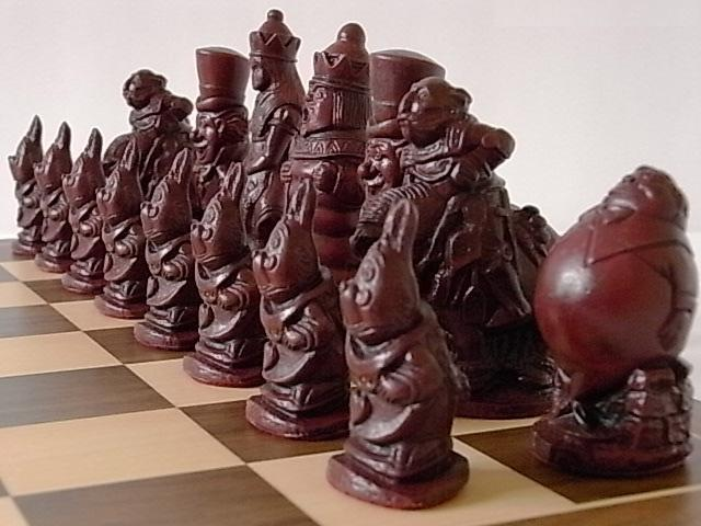 The Fascinating & Gorgeous collectors alice in wonderland Chess Set game pieces