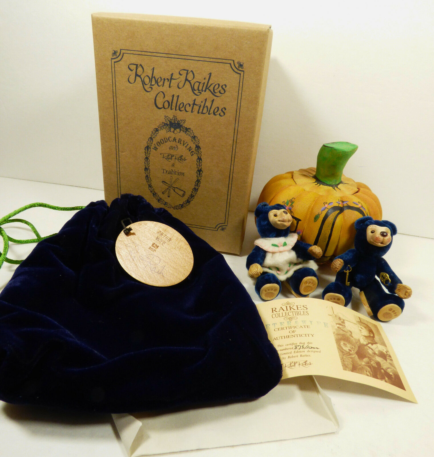 Robert Raikes Original Peter & Wife BEAR Pumpkin Figure set Mint box Signed COA
