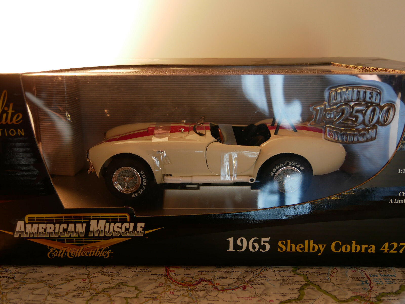AMERICAN MUSCLE ( ERTL) 1965 SHELBY COBRA 427 S C C C LIMITED EDITION  NEW 5de989