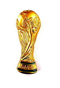 sport pin pins fifa wm pokal in eindrucksvoller 3d. Black Bedroom Furniture Sets. Home Design Ideas