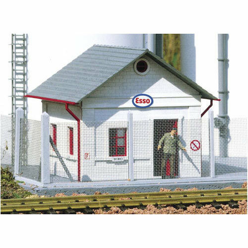 PIKO Esso Oil Depot Office Kit G Gauge 62037