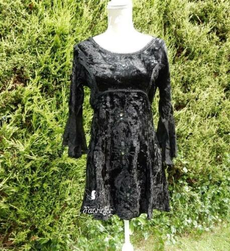 Witchy crushed velvet black long top with lacy georgette sleeves wiccan gothic