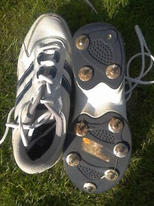 PATRICK-WHITE-STUDDED-TRAINERS-CRICKET-SIZE-6-99p-START-1-STUD-MISSING