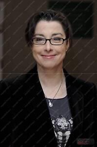 Sue Perkins : TV Presenter, Great British bake off | eBay
