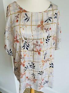 Per-Una-Plus-Size-22-White-Satin-Floral-Blouse-Gold-Check-Boxy-Elegant-Silky-Top