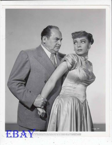 Edward Arnold grabs Marie Windsor VINTAGE Photo