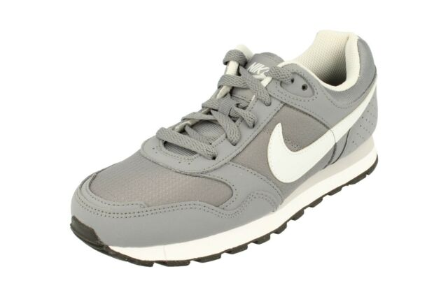 the best attitude d298b d169b Nike Md Runner GS Trainers 629802 Sneakers Shoes 001
