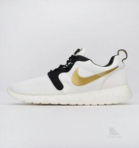 watch bee3b 6dd3c Image is loading Nike-Roshe-Run-HYP-PRM-QS-Trophy-OVO-