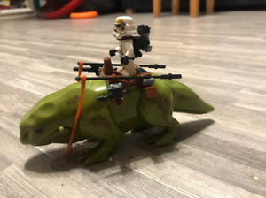 Collection-Star-War-Stormtrooper-and-lizard-LeGo-Moc