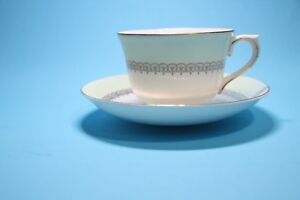 VINTAGE-COLDOUGH-GENUINE-BONE-CHINA-CUP-AND-SAUCER-MADE-IN-ENGLAND