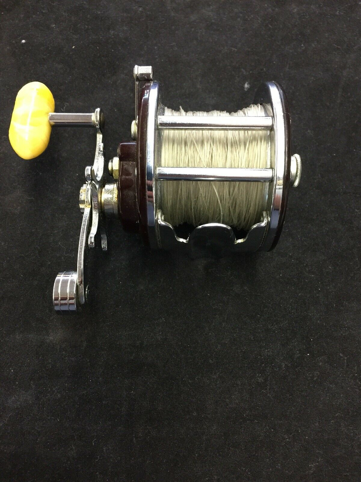 Penn Monofil No. 27 near MINT pesca Reel Cracked