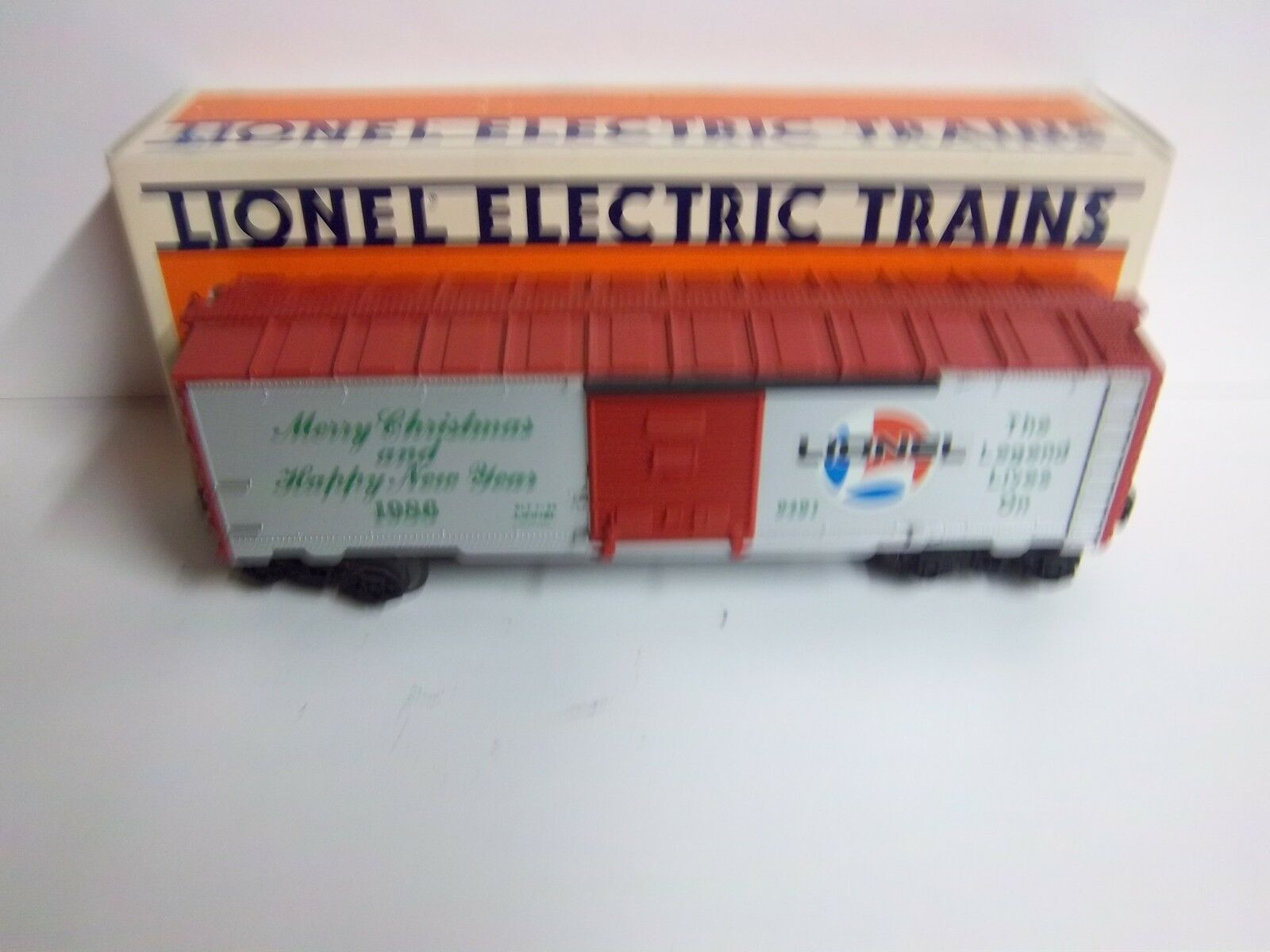 LIONEL 1986 6-9491 CHRISTMAS BOXCAR INCLUDING ORIGINAL BOX