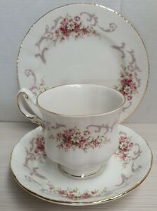 English-Paragon-Rose-Bouquet-Pattern-Bone-China-Trio-Made-in-England-c1981-Only
