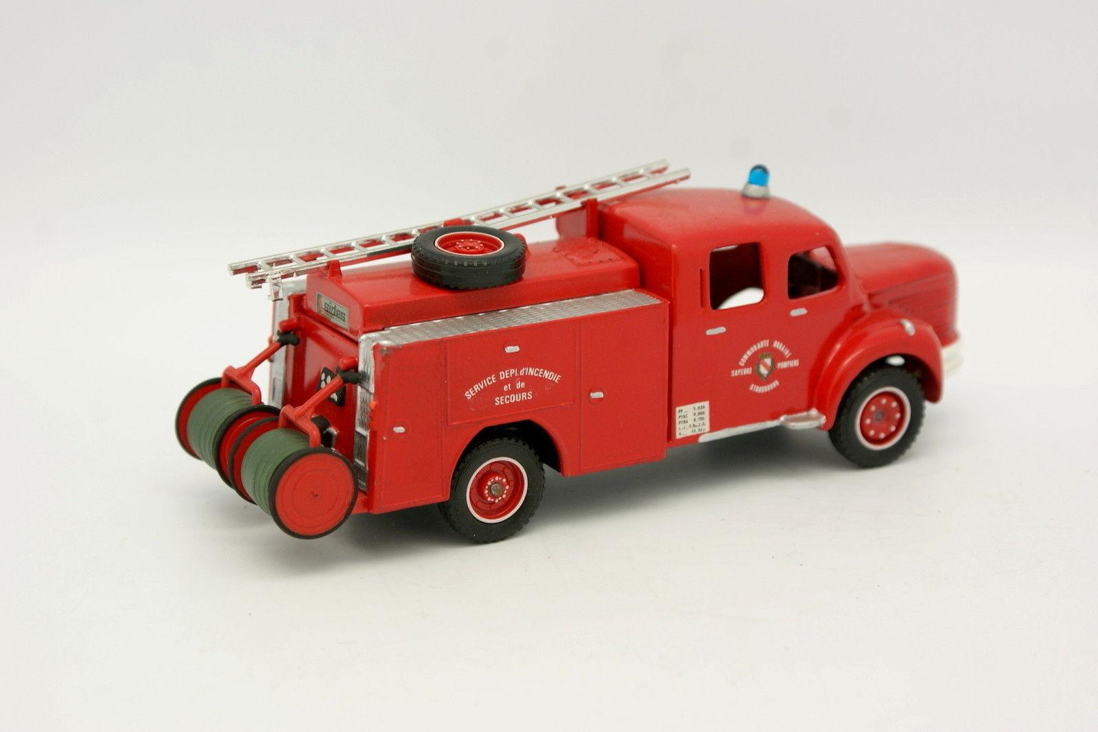 Dinky Code 3 3 3 1 43 - Berliet GLR Firefighters Strasbourg d4aaa1