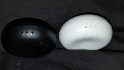TUPPERWARE Ergonomic Mini Salt Pepper Round Disc Shaker Personal Black White