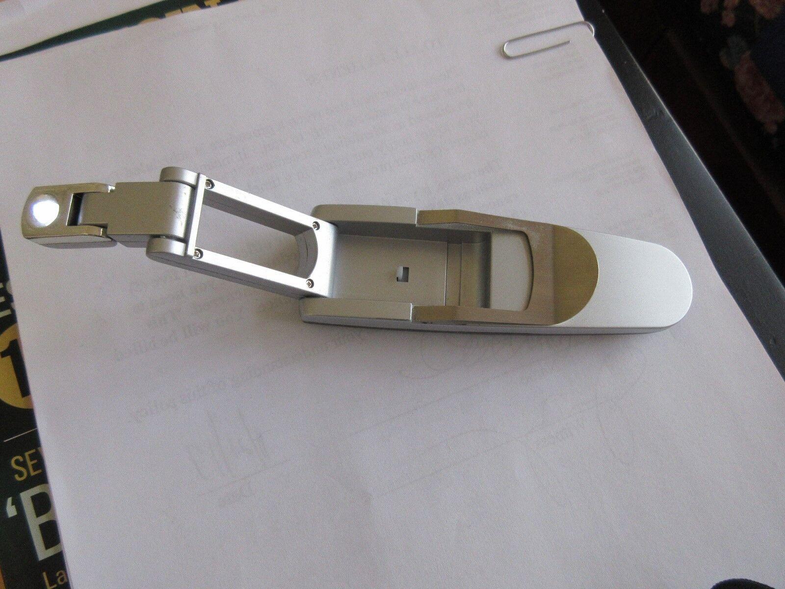 Flashlight , Pocket Clip , Slim / Unique Design