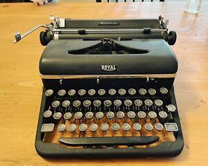 """Vintage 1930s-1940 Royal Aristocrat Portable Typewriter """"Magic Margin"""""""