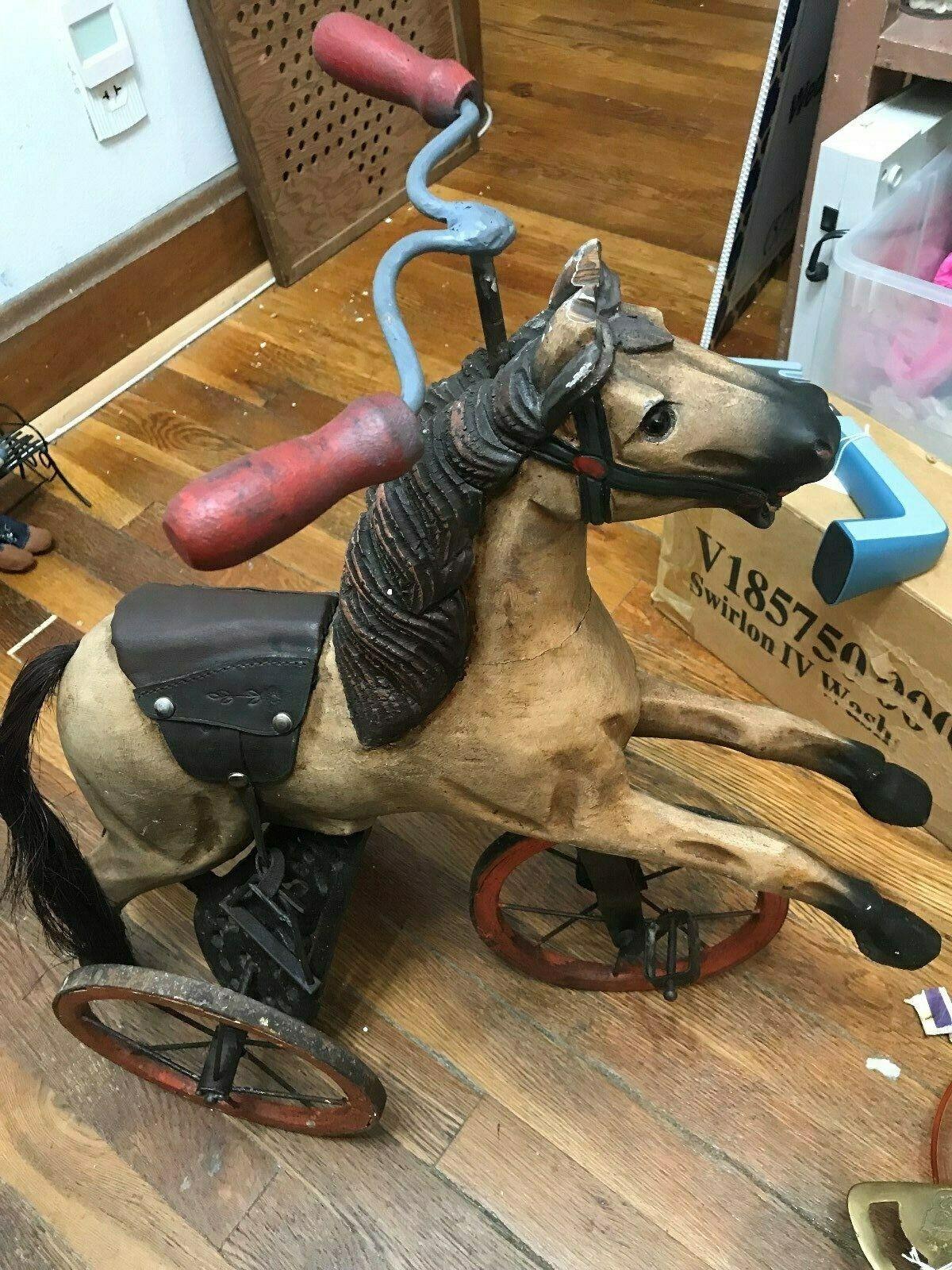 Antiguo Caballo de Madera y Metal Triciclo --- lc
