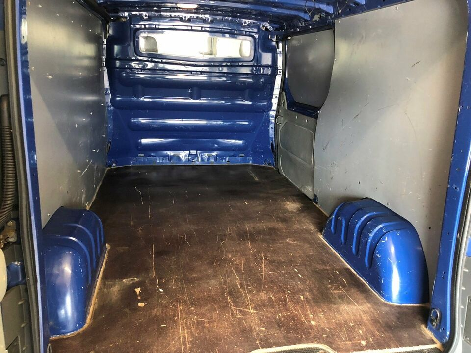 Nissan Primastar 2,0 dCi 114 Comfort L2H1 Diesel modelår