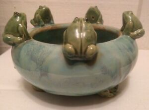 Vintage-Ceramic-Footed-Planter-Bowl-5-Frogs-on-Rim-Lily-Pad-Majolica-Style