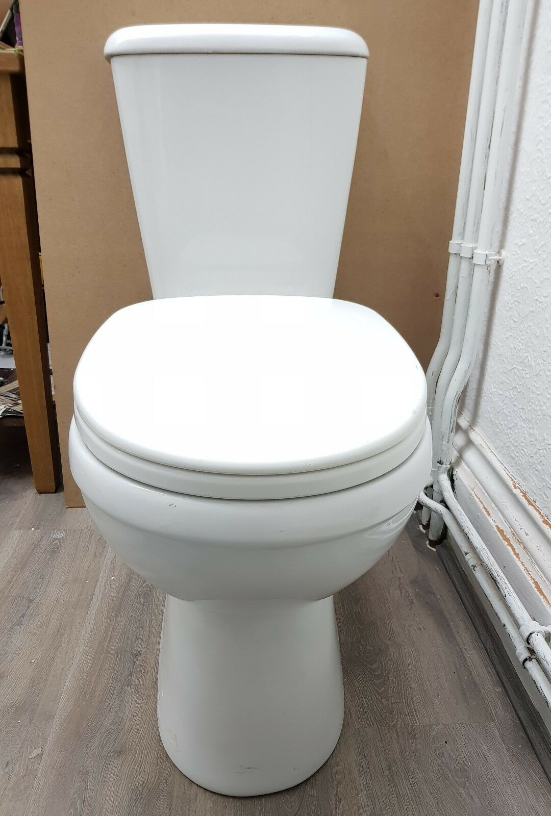 Belle Skara toilettes with soft close Seat Lewis Cistern Internal Overflow